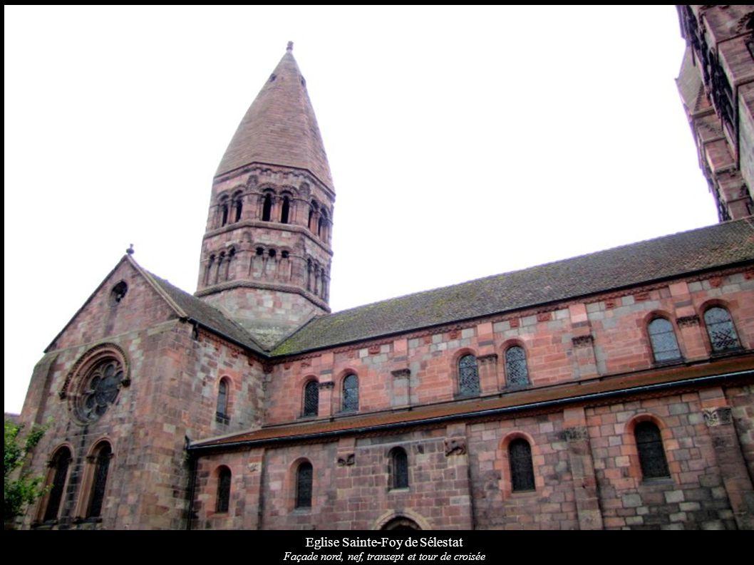 Eglise Sainte-Foy Sélestat Fenêtre qui donne sur le porche avec ses colonnes