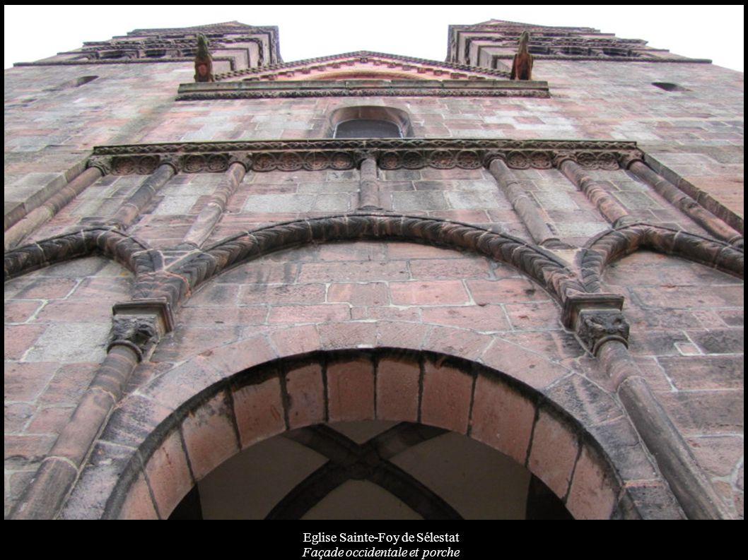Eglise Sainte-Foy de Sélestat Corbeau en forme d atlante