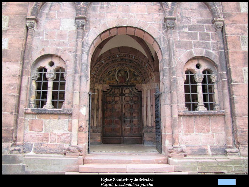 Eglise Sainte-Foy de Sélestat Relief de lion sur le bas du pilier