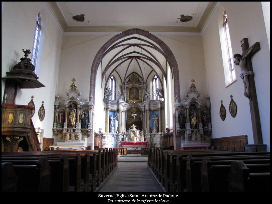 Saverne, Eglise Saint-Antoine de Padoue Vue intérieure de la nef vers le chœur