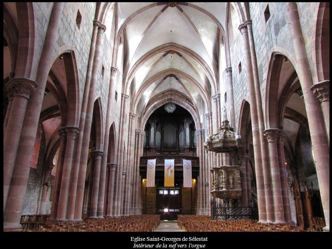 Eglise Saint-Georges de Sélestat Intérieur de la nef vers l'orgue