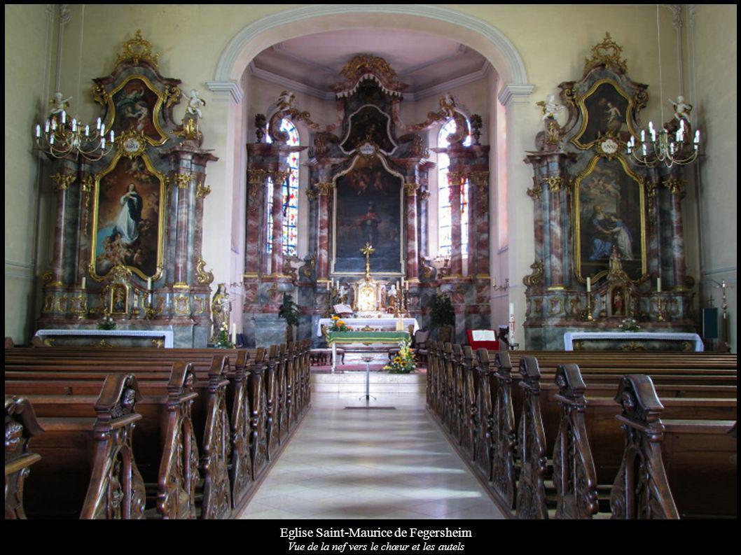 Eglise Saint-Maurice de Fegersheim Vue de la nef vers le chœur et les autels