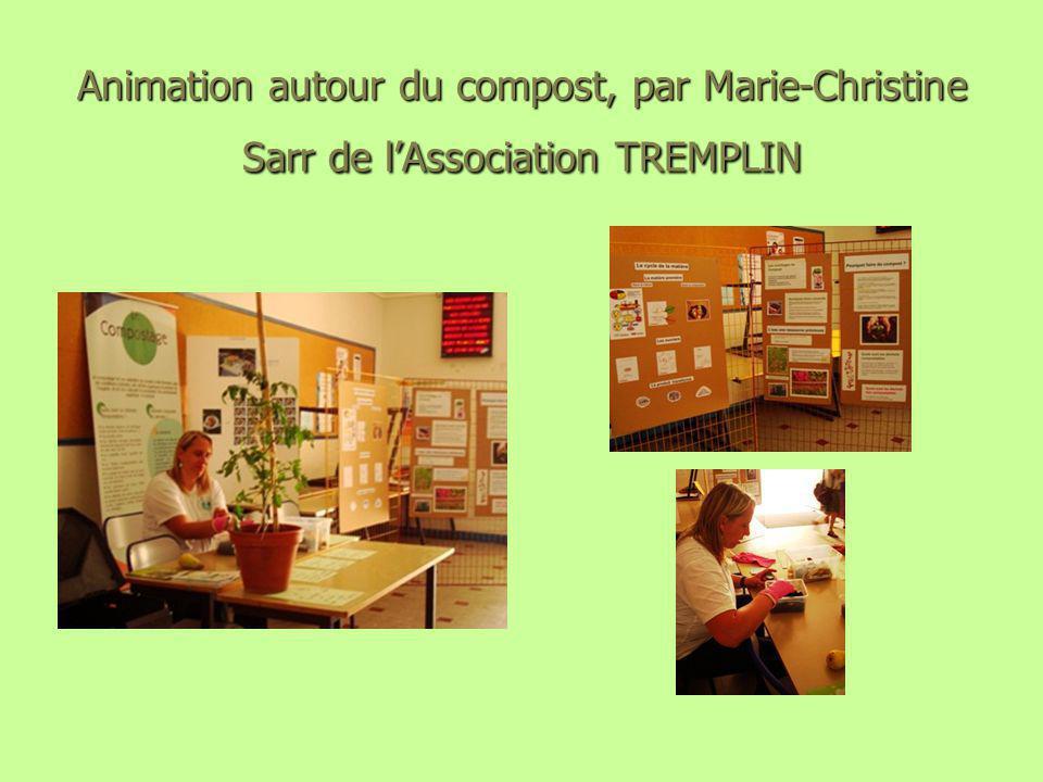 Animation autour du compost, par Marie-Christine Sarr de l'Association TREMPLIN