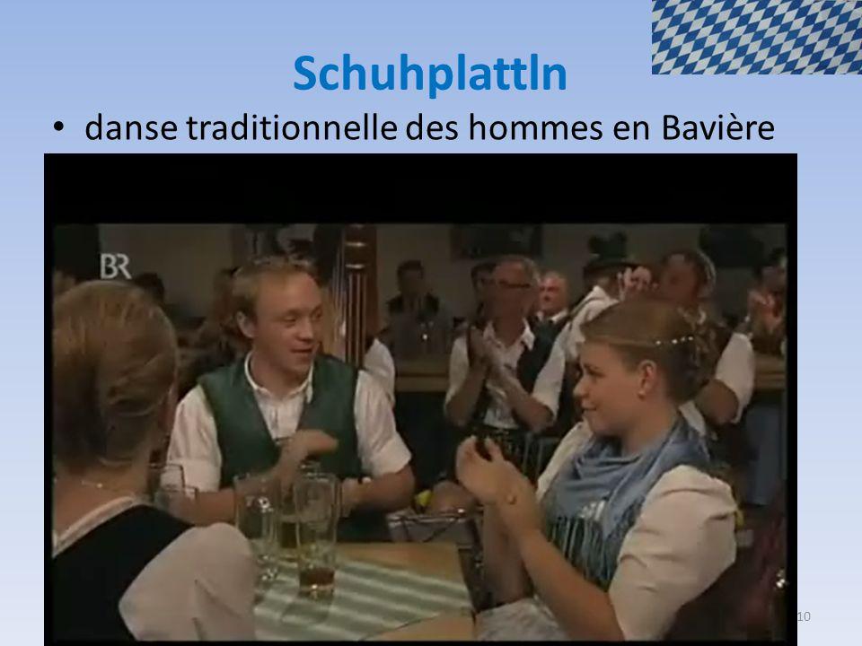 Schuhplattln danse traditionnelle des hommes en Bavière 10