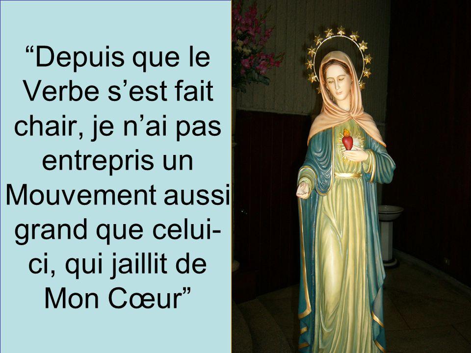 2 Afin que le FEU DE L'AMOUR, ne s'éteigne pas en vos cœurs, récitez le Rosaire, recevez mon Fils Jésus et vivez avec Lui, en Lui et pour Lui. Statue de Notre-Dame de la Flamme d'Amour