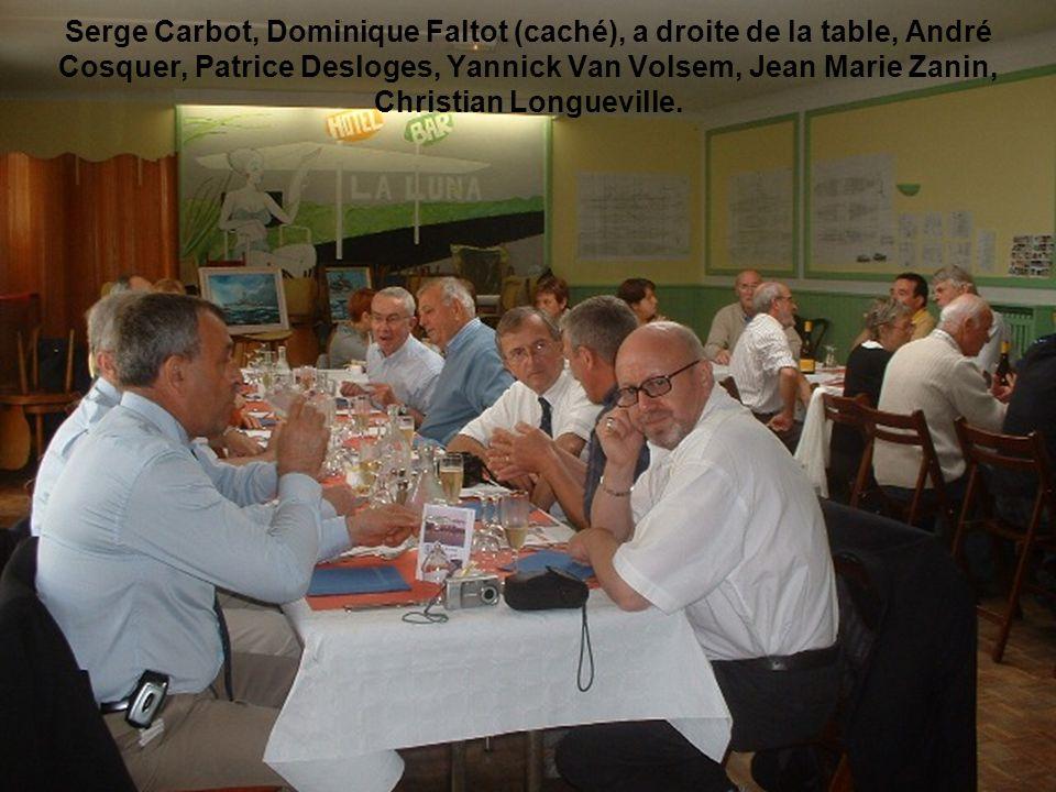 Serge Carbot, Dominique Faltot (caché), a droite de la table, André Cosquer, Patrice Desloges, Yannick Van Volsem, Jean Marie Zanin, Christian Longuev