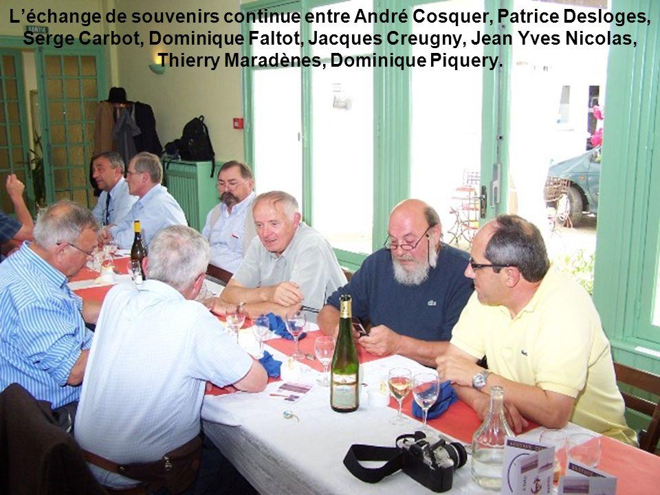 L'échange de souvenirs continue entre André Cosquer, Patrice Desloges, Serge Carbot, Dominique Faltot, Jacques Creugny, Jean Yves Nicolas, Thierry Mar