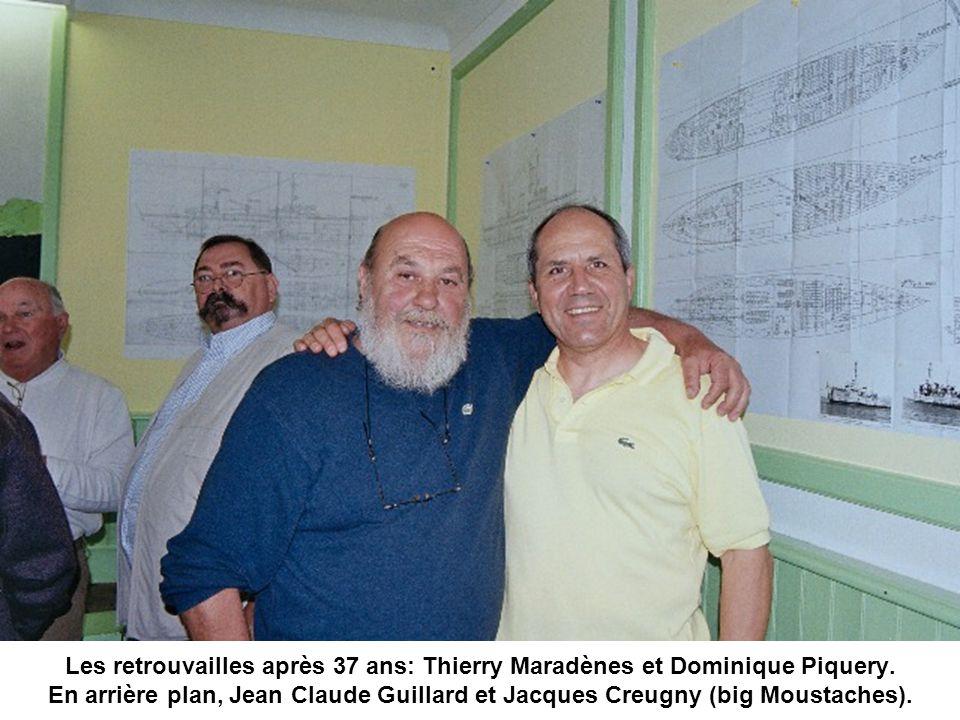 Les retrouvailles après 37 ans: Thierry Maradènes et Dominique Piquery. En arrière plan, Jean Claude Guillard et Jacques Creugny (big Moustaches).