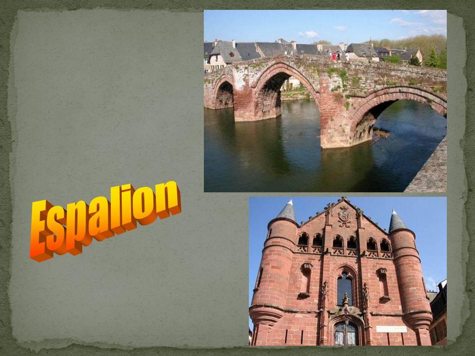 Villefranche de Rouergue Le Clocher Le Pont des Consuls