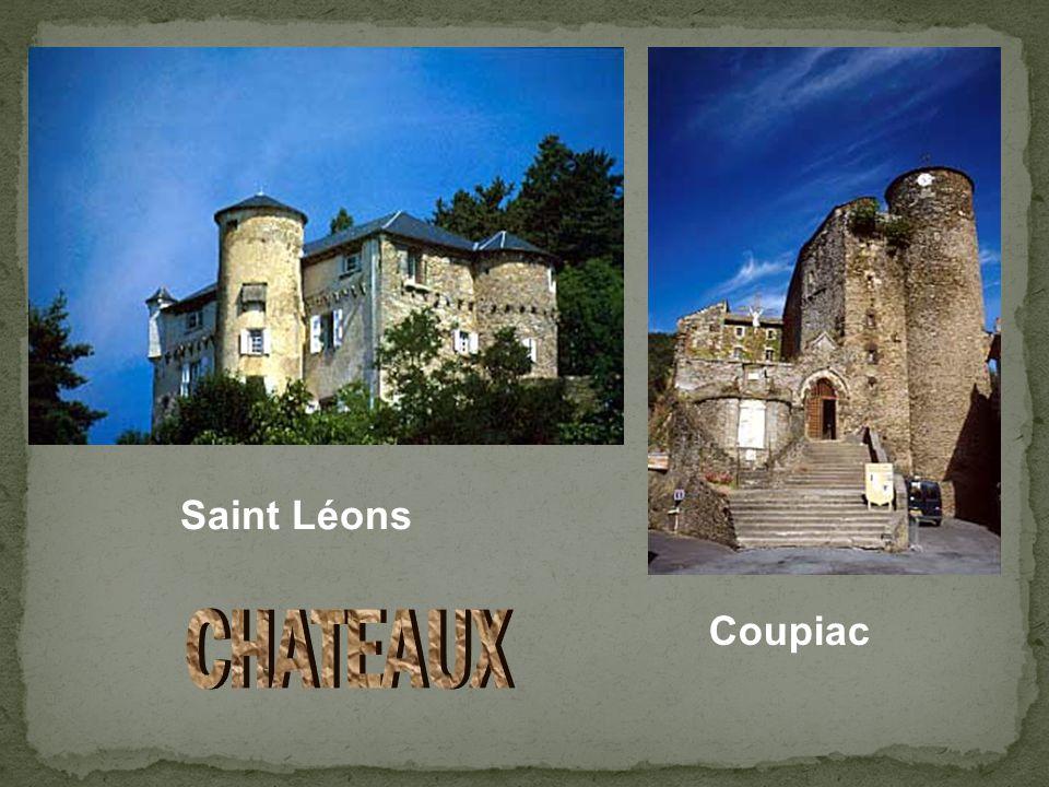 Eglise troglodytique de PEYRE « Plus beau village de France »