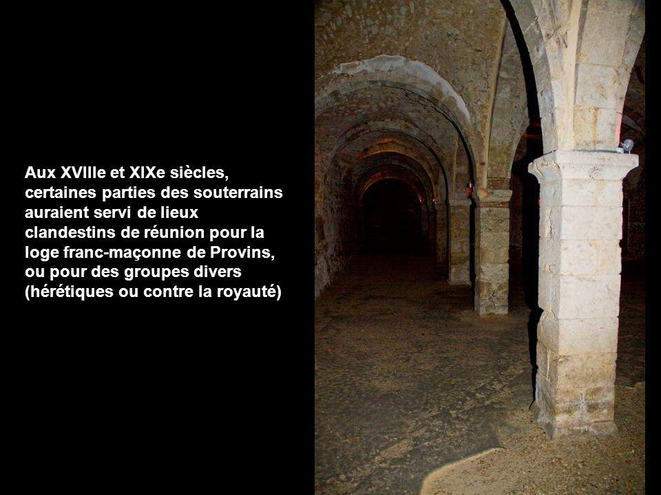 le sous-sol de la vieille ville est truffé de souterrains médiévaux que l on peut visiter À l origine, il s'agissait de carrières dont les matériaux servaient dans la confection de la laine (la cité de Provins, au Moyen Âge, était une importante cité drapière).