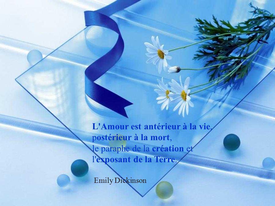 La vie est une fleur. L ' amour en est le miel! Victor Hugo