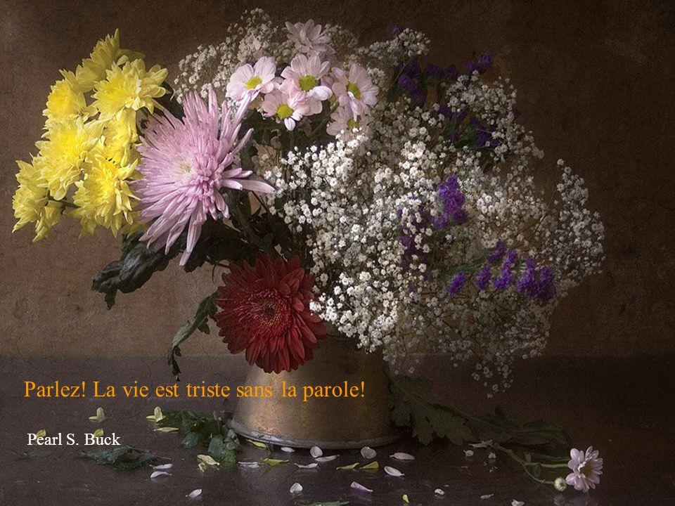 Vivre c'est la chose la plus rare dans le monde. La plupart des gens existent, c'est tout! Oscar Wilde