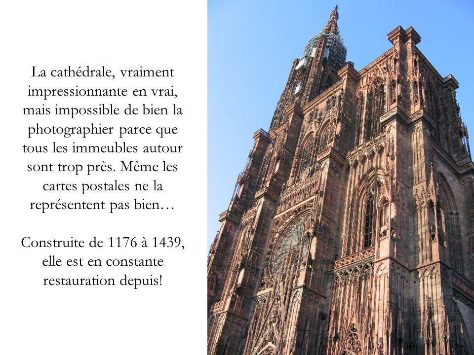 La cathédrale, vraiment impressionnante en vrai, mais impossible de bien la photographier parce que tous les immeubles autour sont trop près. Même les