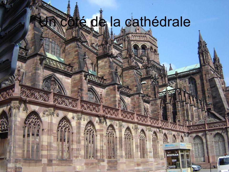 Un côté de la cathédrale