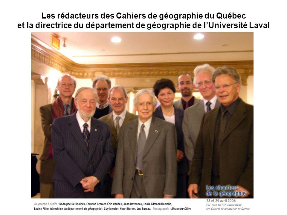 Les rédacteurs des Cahiers de géographie du Québec et la directrice du département de géographie de l'Université Laval