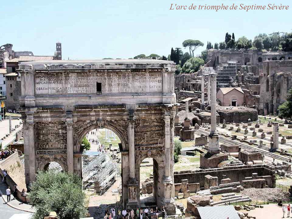 Le temple d Antonin et Faustine La basilique de Maxence