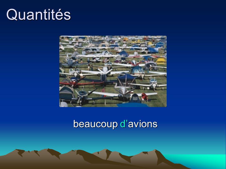 Quantités beaucoup d'avions beaucoup d'avions