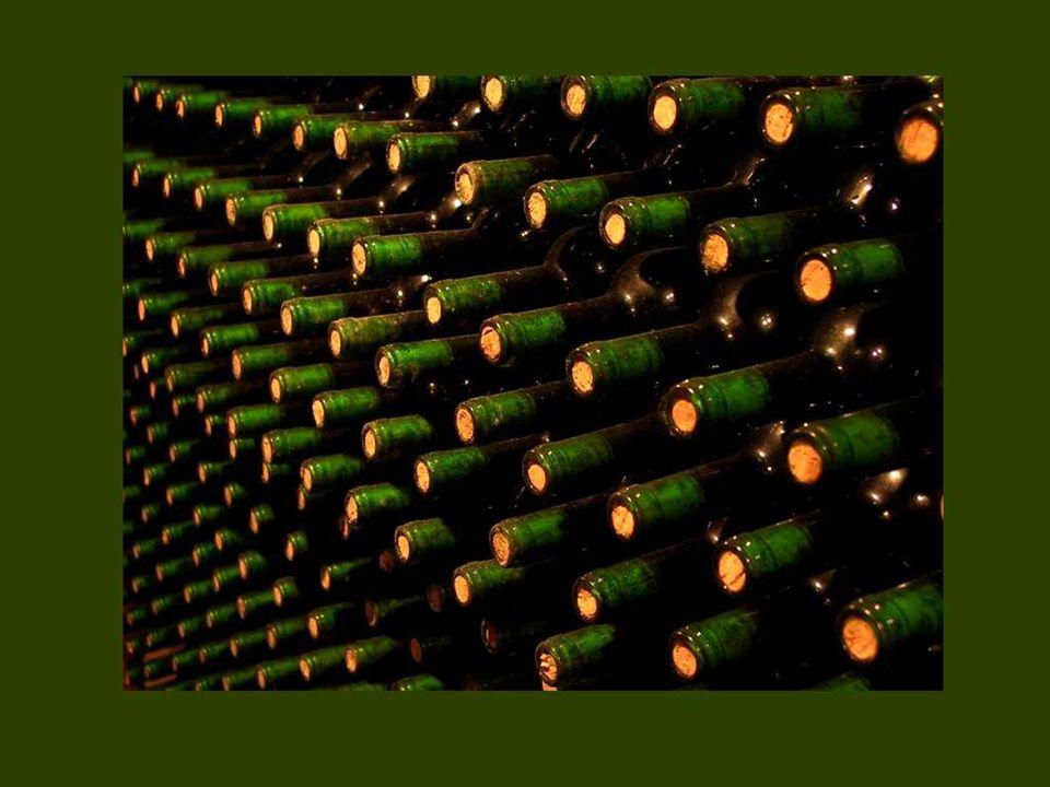 Qui n'aime ni les huîtres, ni les asperges, ni le bon vin, n'a pas d'âme et pas d'estomac. Hector Hugues Munro