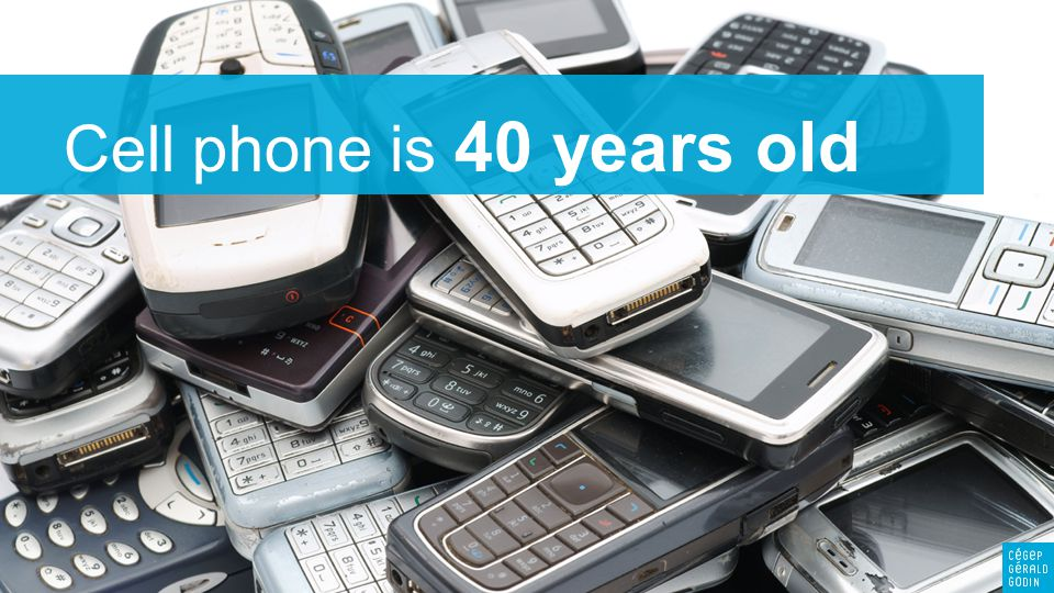 3 Mobile Internet expected to surge En 2018, le monde comptera 3,3 milliards d'abonne- ments avec smartphones contre 1,1 milliard en 2012 Le trafic mobile sera multiplié par 12 en 2018 Traffic on the Web is BOOMING