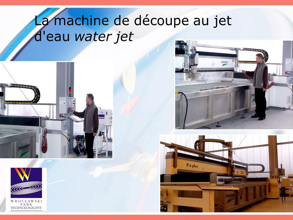 La machine de découpe au jet d'eau water jet