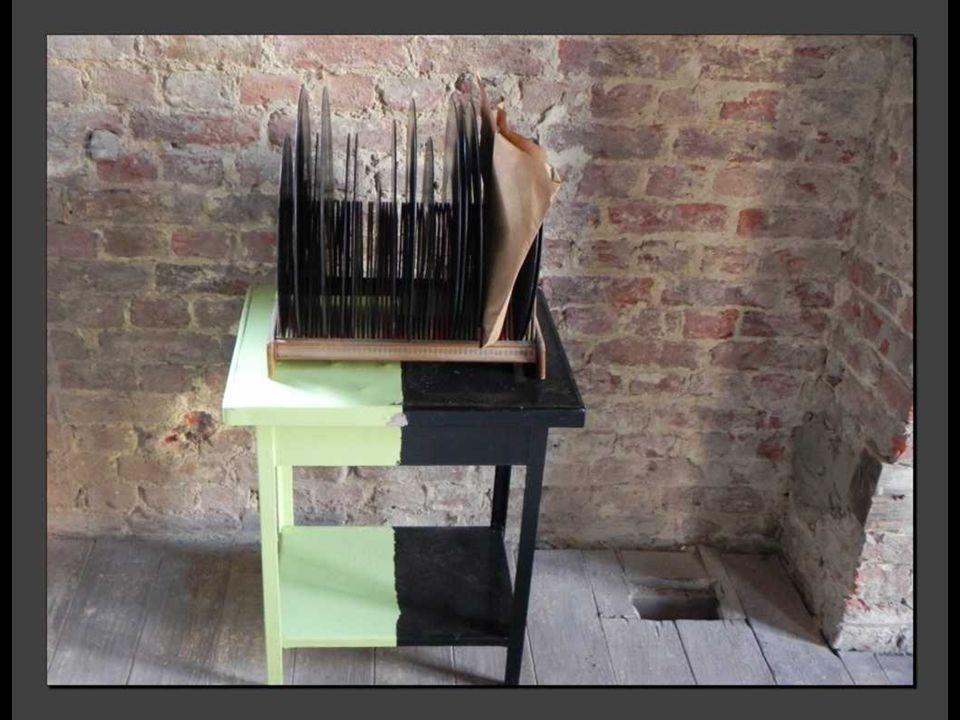 L'exposition est étoffée par des objets qui ont inspiré Maurice Béjart ou qui font partie de sa démarche.