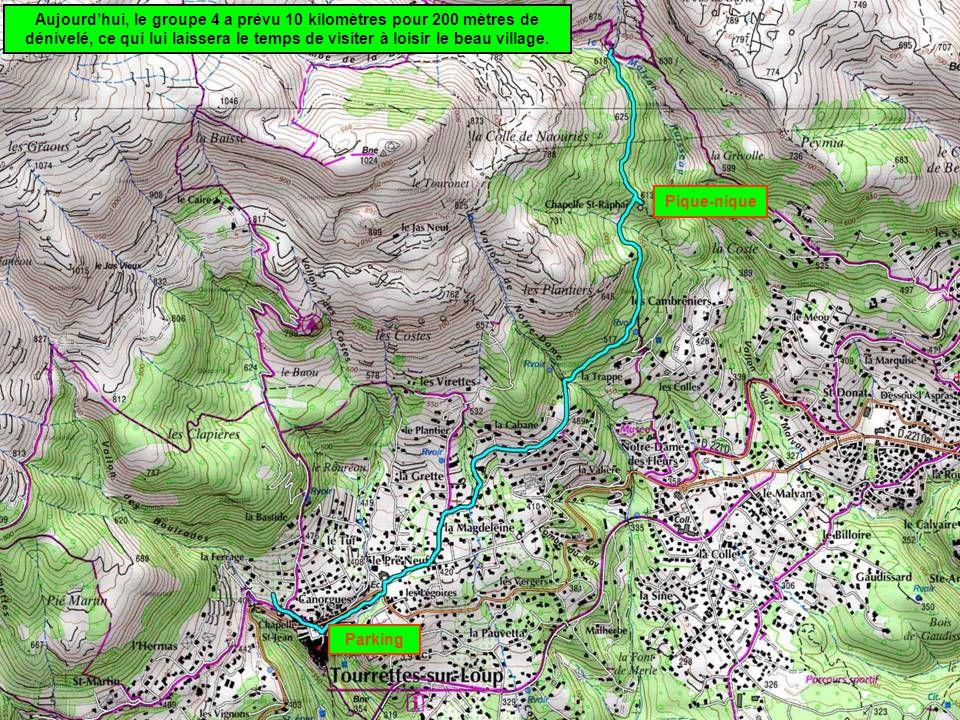 Pique-nique Parking Aujourd'hui, le groupe 4 a prévu 10 kilomètres pour 200 mètres de dénivelé, ce qui lui laissera le temps de visiter à loisir le be