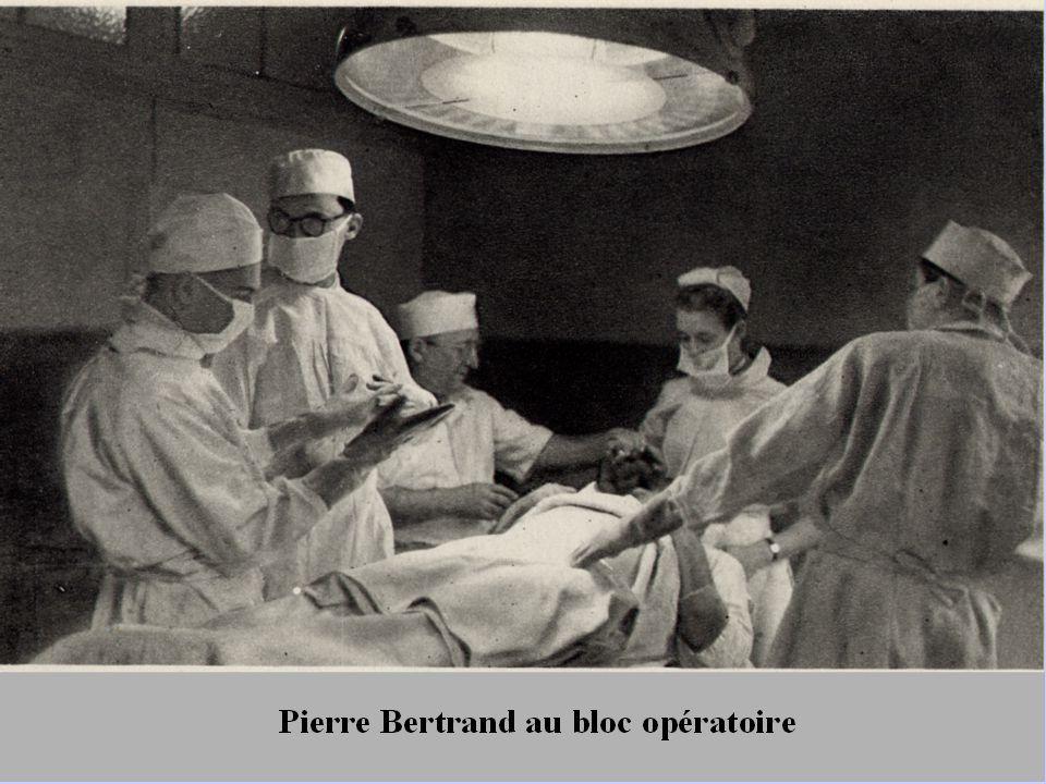 La maternité compte 84 lits depuis 1939, en chambres individuelles ou salles de 6 à 8 lits, une salle pour les prématurés, 25 lits d'infirmerie à Rhenter et un bloc pour les césariennes avec estrade d'observation latérale ; Pierre Magnin succèdera à André Brochier de 1964 à 1968, remplacé par Martial Dumont jusqu'en 1985.