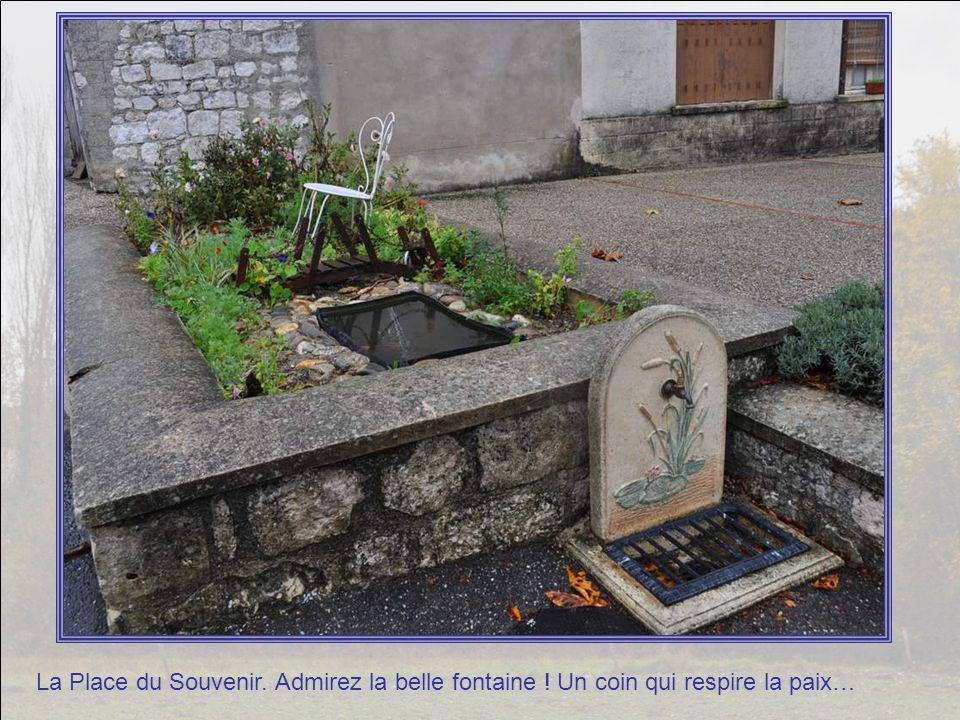 Nous voilà déjà à Saint Daunès, au curieux clocher.