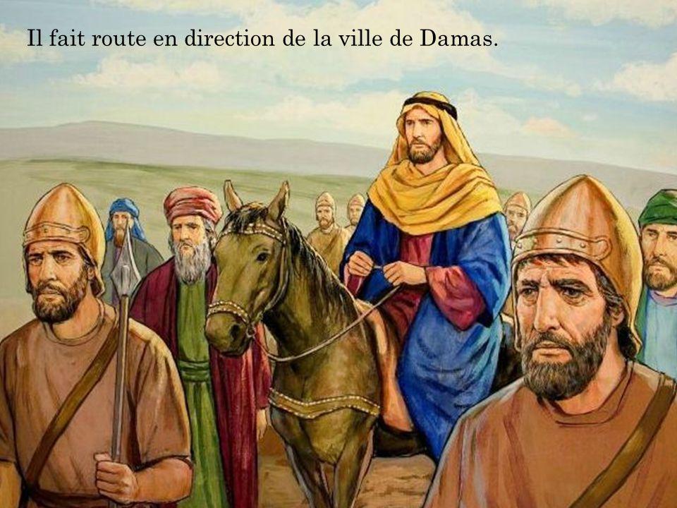Un jour, une servante, diseuse de bonne aventure qui rapporte beaucoup d'argent à ses maîtres, suit Silas et Paul en criant : « Ces hommes, serviteurs de Dieu, annonce le salut ».