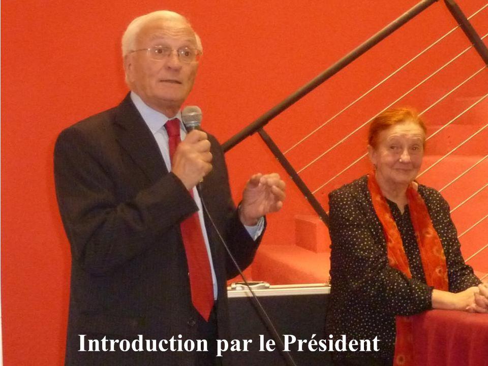 Présentation de la conférencière par Claude SALGUES
