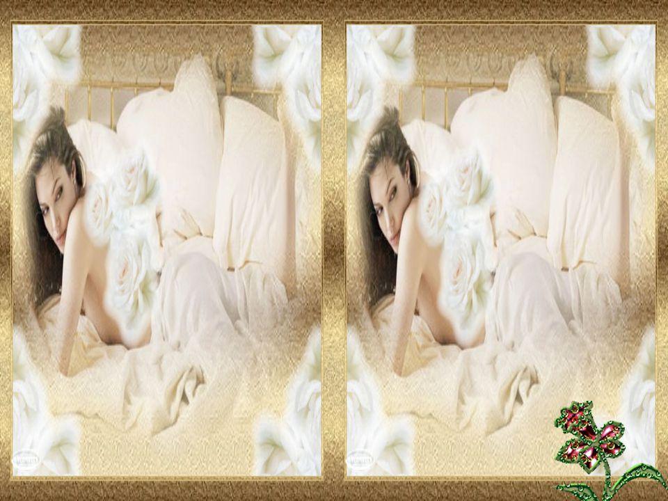 J'ai mis des fleurs sur mon lit Simplement pour décorer ma nuit Quelques pétales de roses blanches Pour me souvenir de nos dimanches …