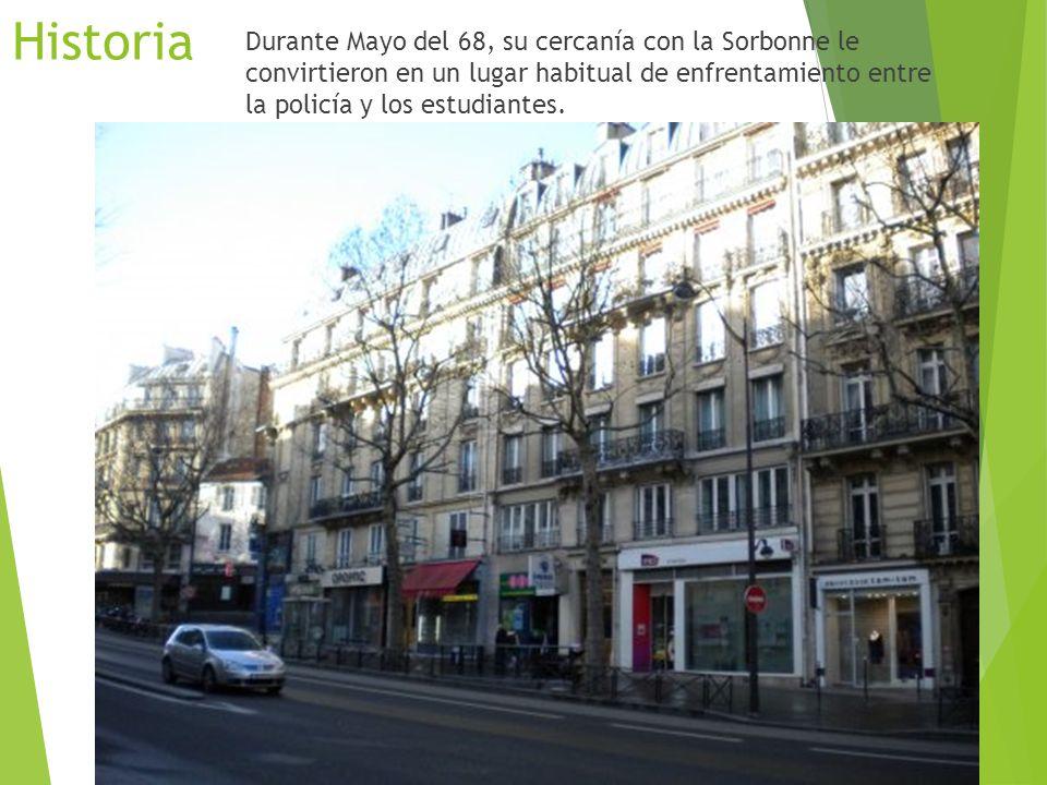 Historia El bulevar fue abierto por el Barón Haussmann dentro de su plan de transformación de la ciudad.