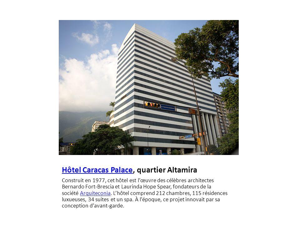 Vue sur le quartier Altamira, depuis l'Hôtel Continental Altamira On profite d'une visite dans ce quartier résidentiel pour flâner sur les longues avenues bordées d'arbres exotiques et les rues pentues, qui traversent des parcs luxuriants.