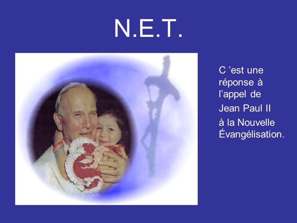 La joie de vivre en Eglise NET participe à des grands rassemblements d'Eglise Ici Mgr Cattenoz, évêque d'Avignon, donne un enseignement aux enfants