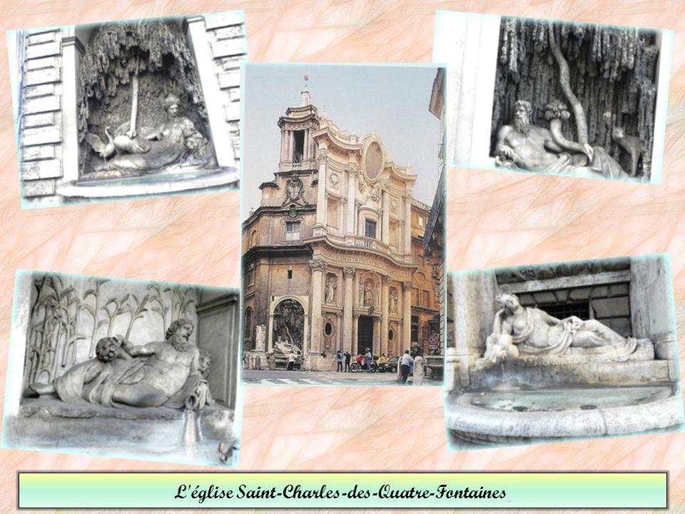 La fontaine de Neptune est à une extrémité de la place Navone