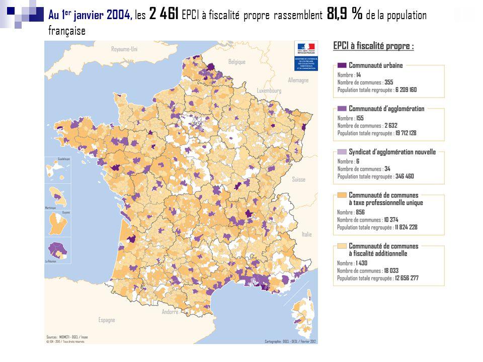 Au 1 er janvier 2004, les 2 461 EPCI à fiscalité propre rassemblent 81,9 % de la population française