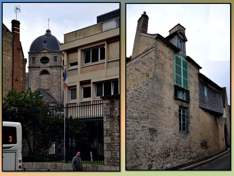 Un peu partout dans la ville, des maisons anciennes bien préservées.