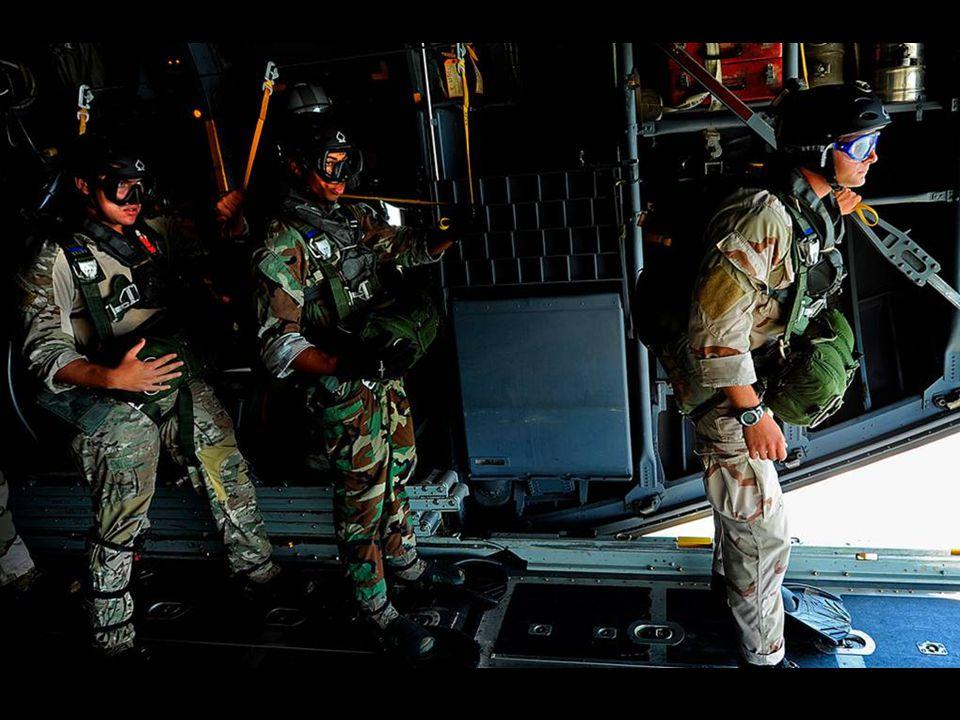 Formation des parachutistes du SAS (Special Air Service) du French Squadron en Angleterre