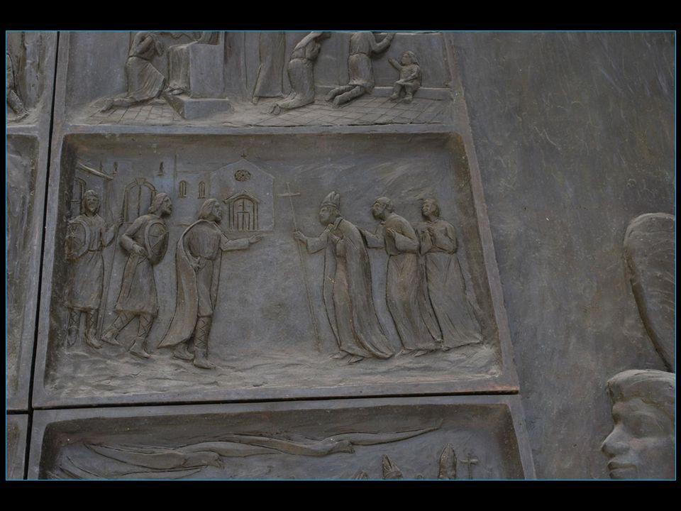La légende veut que Saint Michel ait choisi 3 lieux de pèlerinage le Mont-Saint-Michel la Sacra di San-Michele près de Turin et Monte Sant' Angelo