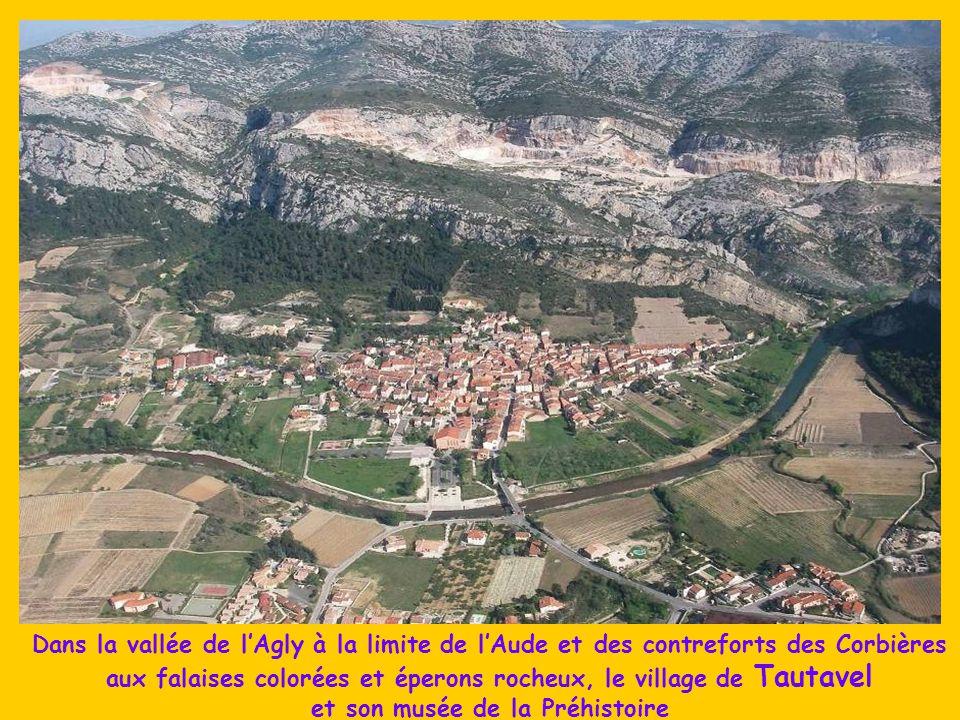 A la limite de l'Aude, proche de St Paul de Fenouillet, les Gorges de Talamus où le quatrain suivant, en occitan, de Léonses Rives, a été gravé en 189