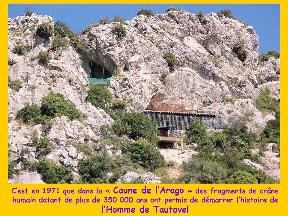Dans la vallée de l'Agly à la limite de l'Aude et des contreforts des Corbières aux falaises colorées et éperons rocheux, le village de Tautavel et so