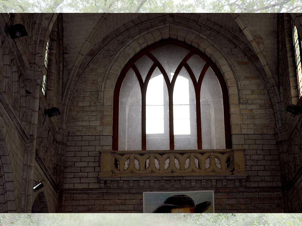 L'orgue dans le cœur ? Quelle idée ! Ah ! Cet orgue, c'est toute une longue histoire…L'orgue de l'ancienne église, construit en 1853 PAR LE facteur Fr