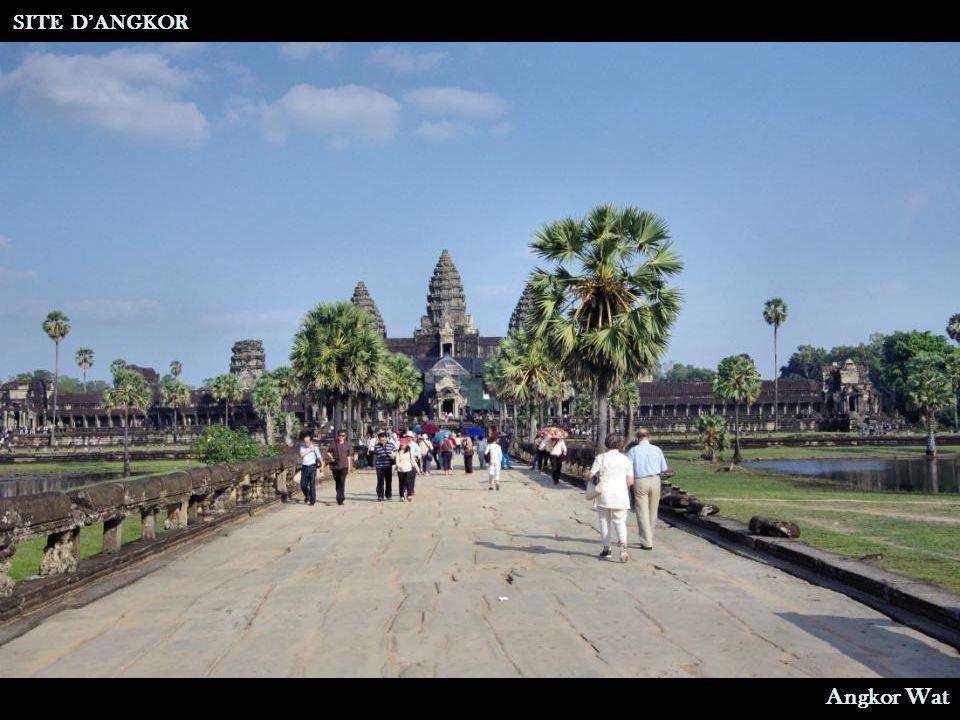 SITE D'ANGKOR Angkor Wat Bibliothèque