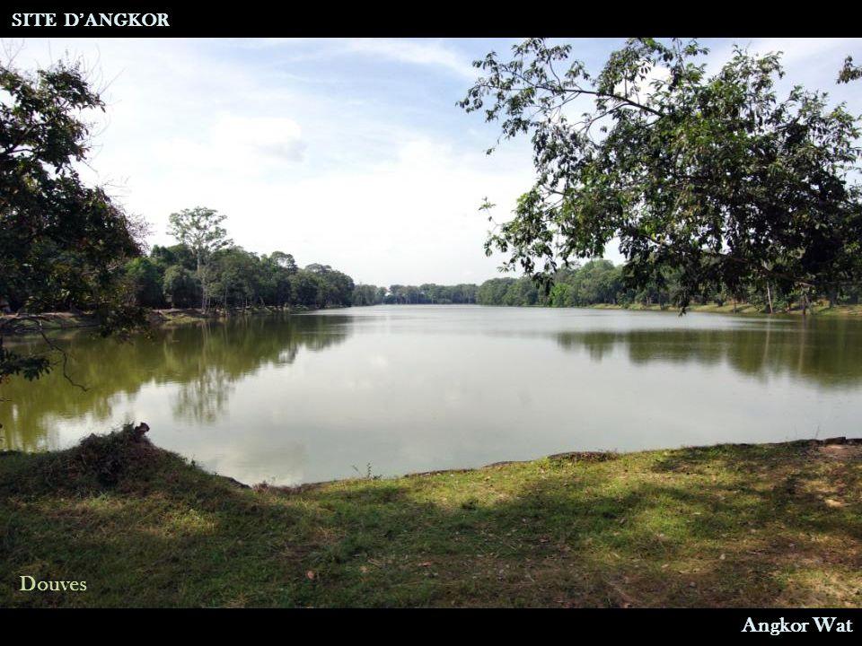 Angkor Wat Douves SITE D'ANGKOR