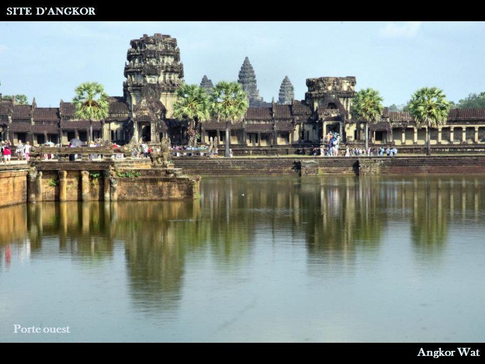 Porte ouest SITE D'ANGKOR Angkor Wat