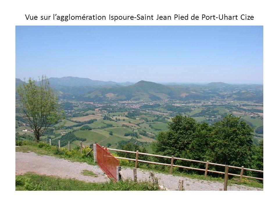 Vue sur l'agglomération Ispoure-Saint Jean Pied de Port-Uhart Cize