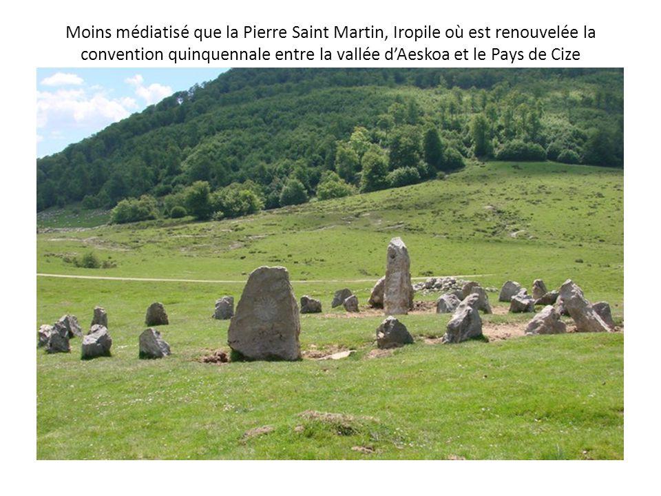 Moins médiatisé que la Pierre Saint Martin, Iropile où est renouvelée la convention quinquennale entre la vallée d'Aeskoa et le Pays de Cize