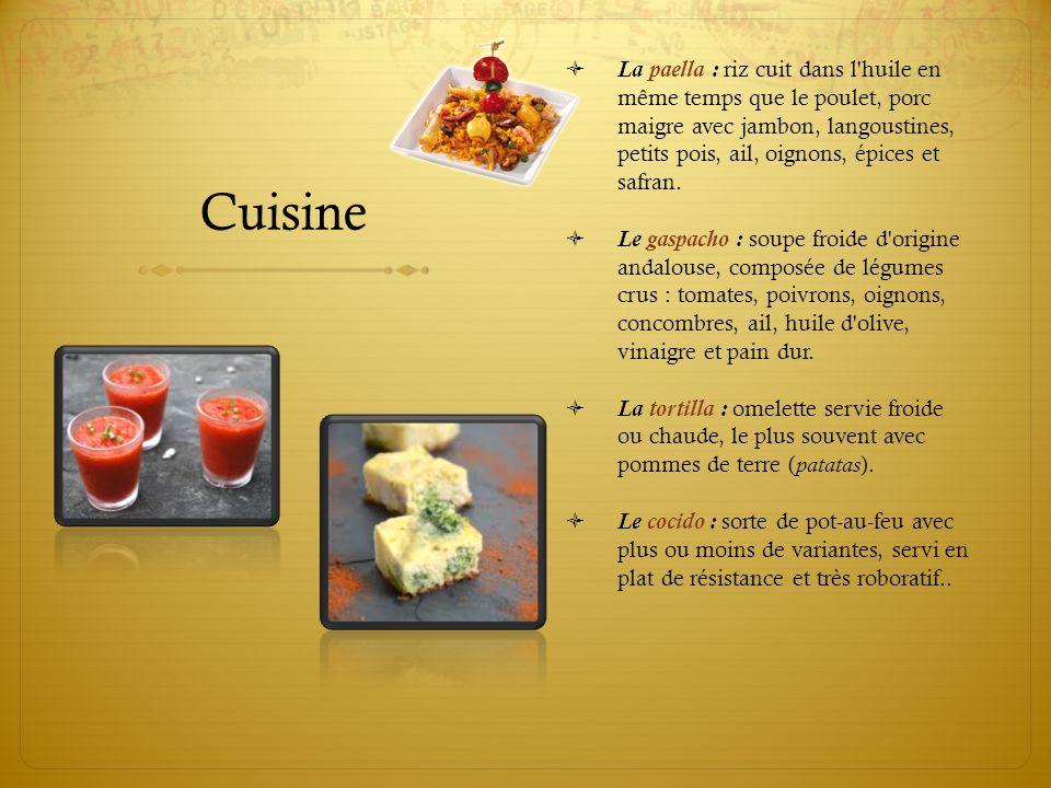 Cuisine  La paella : riz cuit dans l'huile en même temps que le poulet, porc maigre avec jambon, langoustines, petits pois, ail, oignons, épices et s