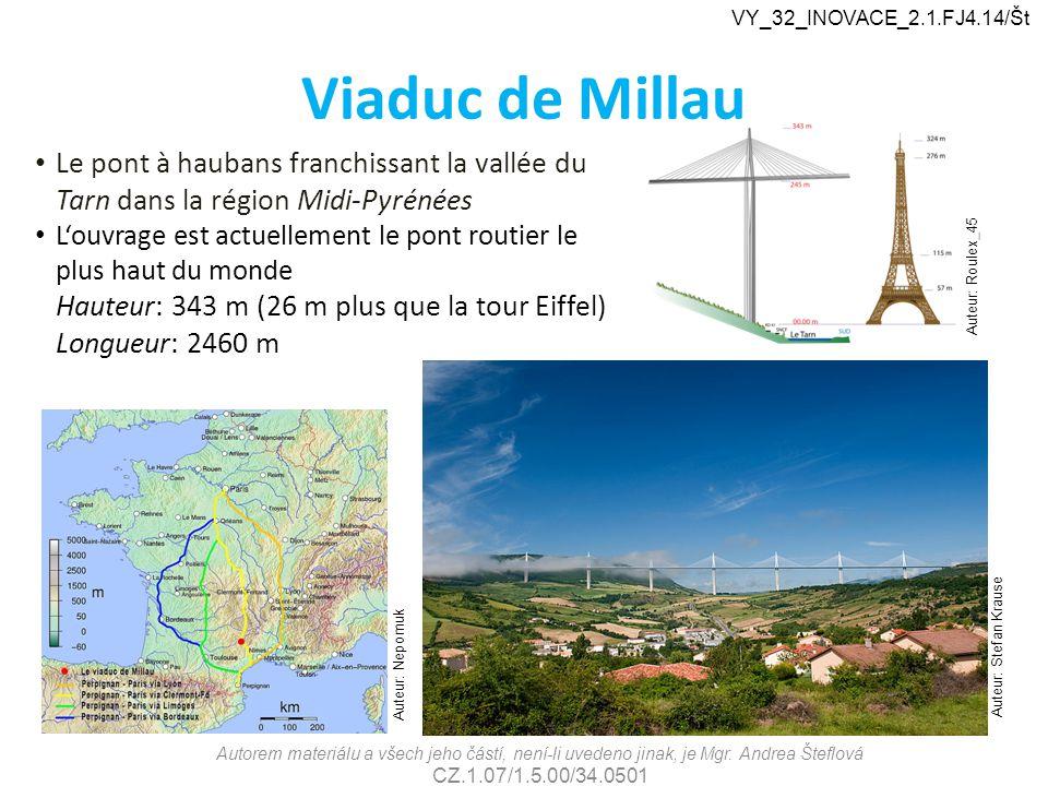 Viaduc de Millau Le pont à haubans franchissant la vallée du Tarn dans la région Midi-Pyrénées L'ouvrage est actuellement le pont routier le plus haut